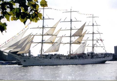 Thames Tall ship001